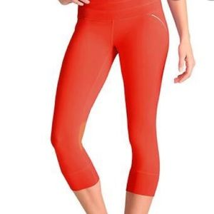 Athleta Run Relay Red Crop